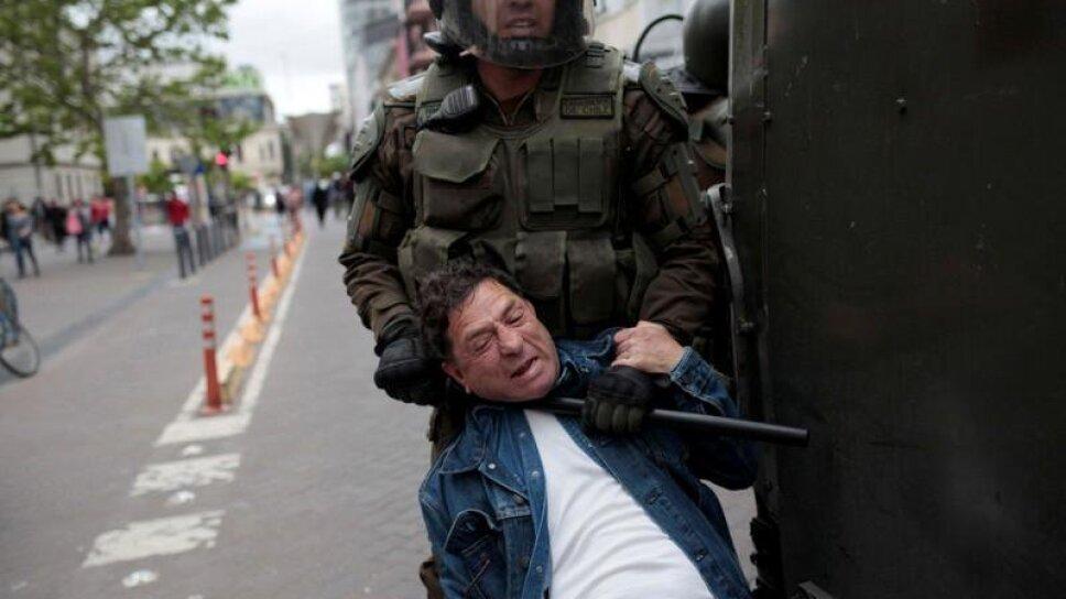 Manifestantes vuelven a la calle, Piñera busca apoyo político en Chile pero izquierda se margina