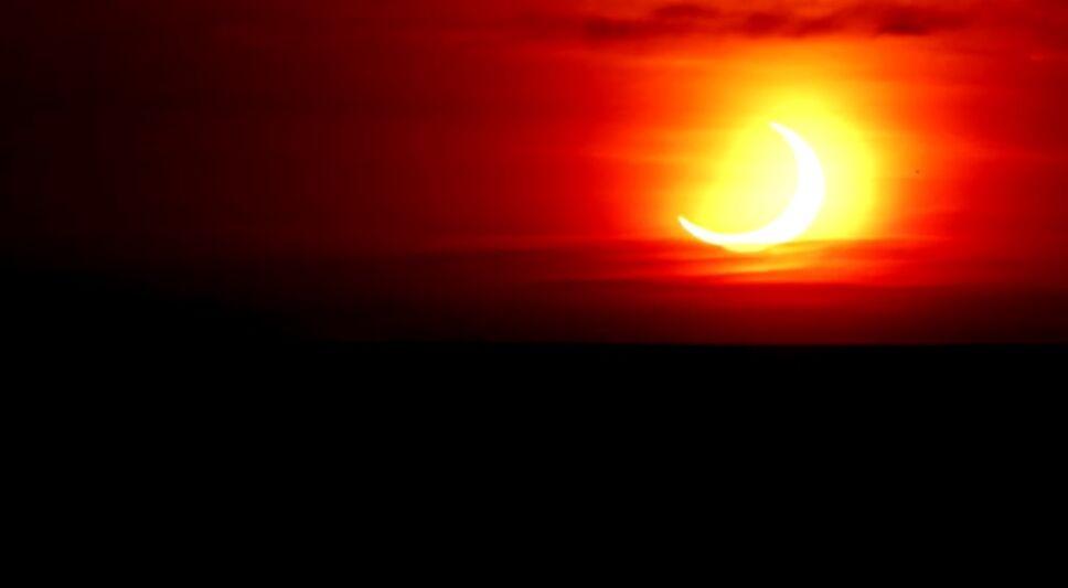 Así se vio el eclipse solar parcial en Ontario, Canadá