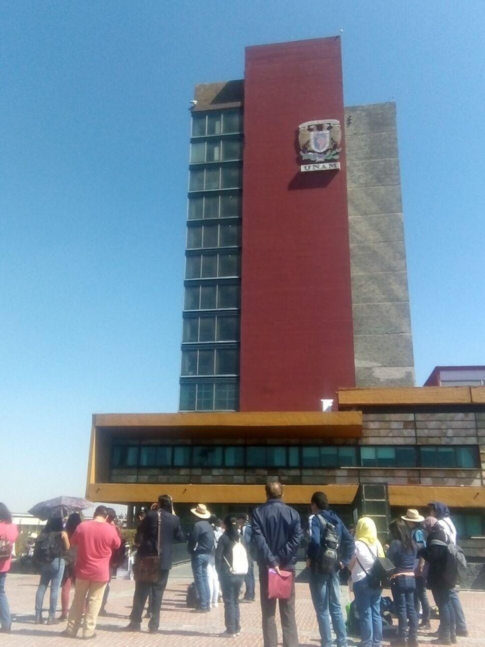 Paro de profesores en rectoría de la UNAM