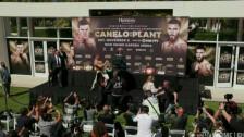 pelea en conferencia de prensa Canelo Álvarez vs Caleb Plant