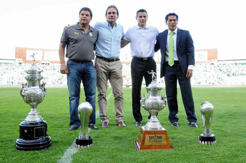 Daniel Guzmán se consagró campeón del futbol mexicano con Santos Laguna