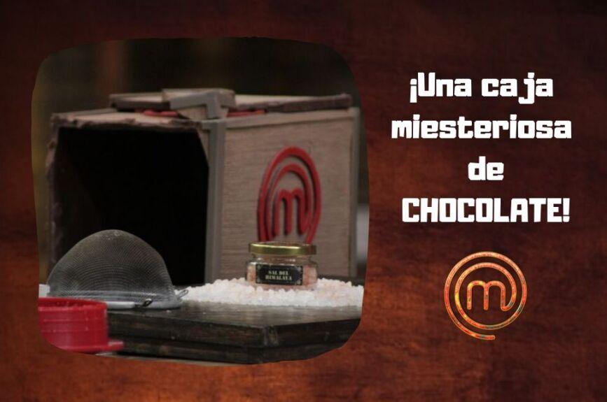 Una caja misteriosa con mucho chocolate.