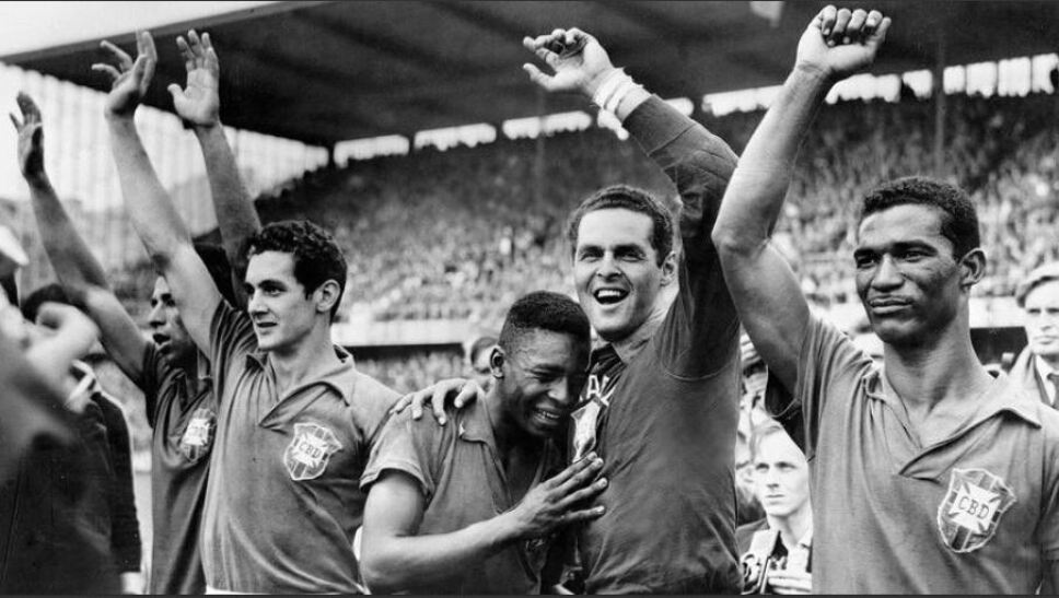 La Selección de Brasil es, hasta ahora, la selección de futbol con más Copas del Mundo. Brasil ganó en  Suecia 1958, Chile 1962, México 1970, Estados Unidos 1994 y Corea / Japón 2002.