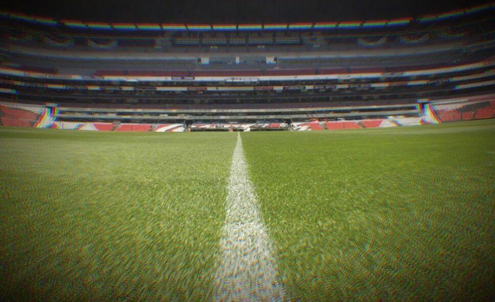 Estadio Azteca pasto