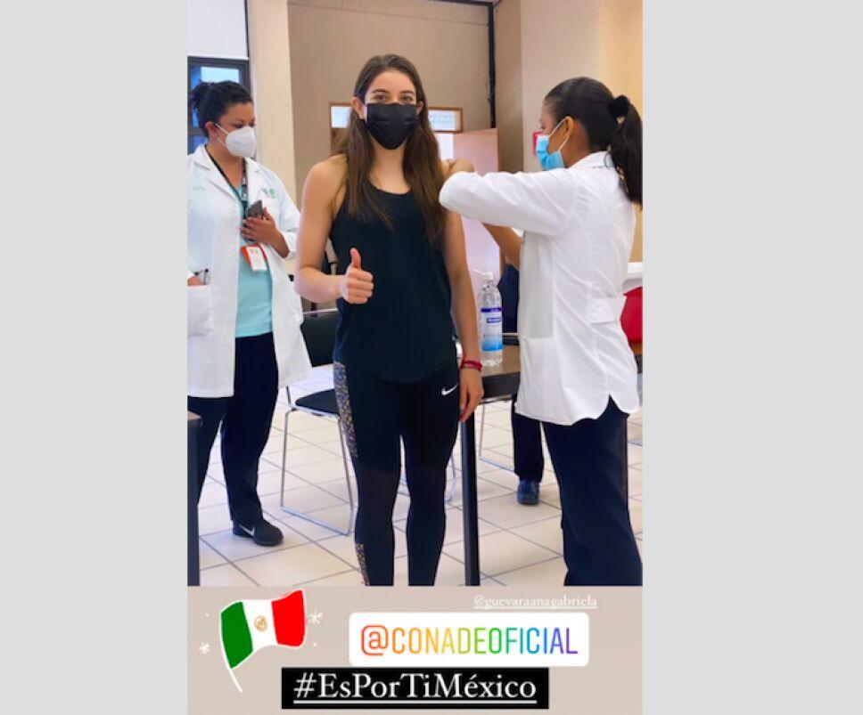 Alejandra Orozco vacuna .jpg