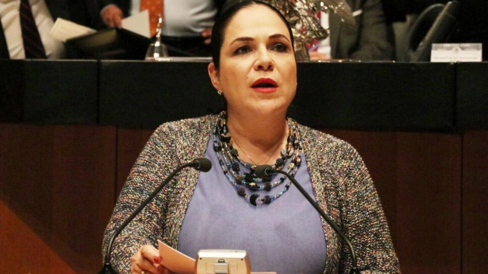 Monica Fernández.jpg