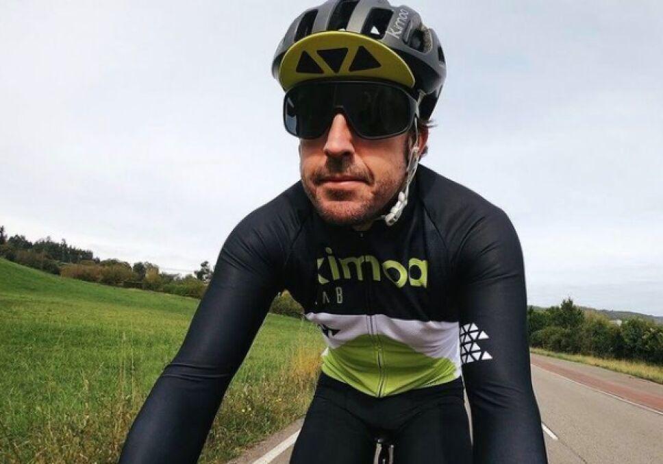 Fernando Alonso piloto accidente ciclismo