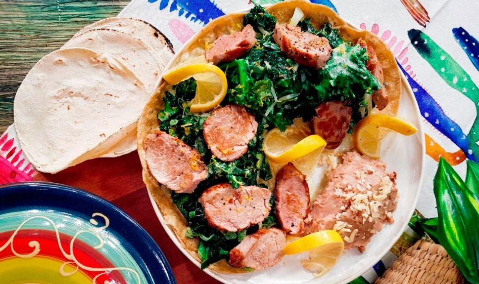 Cerdo gustoso con rajas poblanas y kale