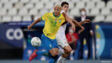 11 brasil vs perú semifinales Copa América 2021.jpg