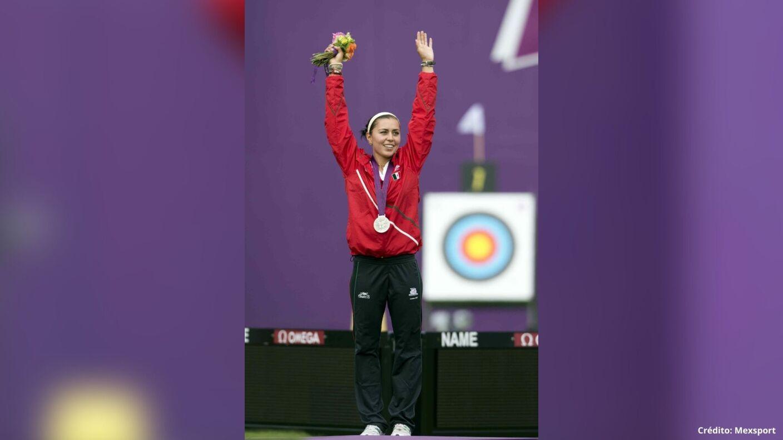 7 medallistas olímpicos mexicanos Londres 2012.jpg