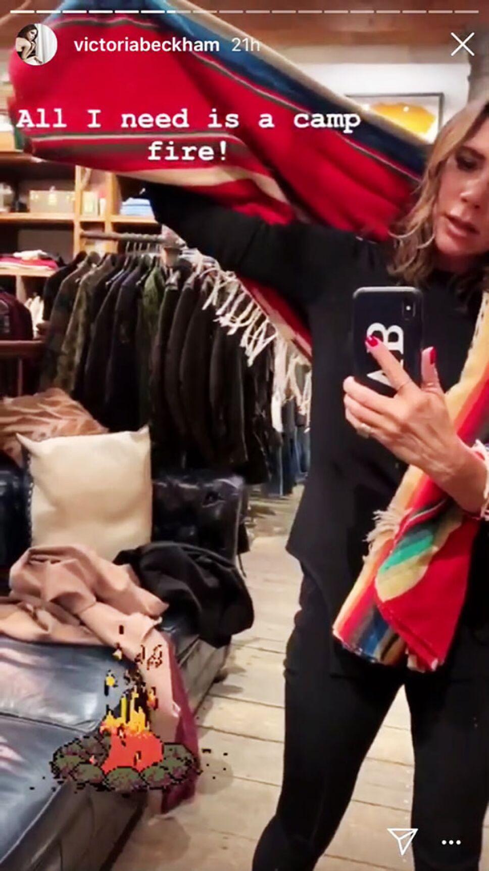 La nueva tendencia impuesta por Victoria y usar un rebozo como parte de tu look de invierno Foto Especial