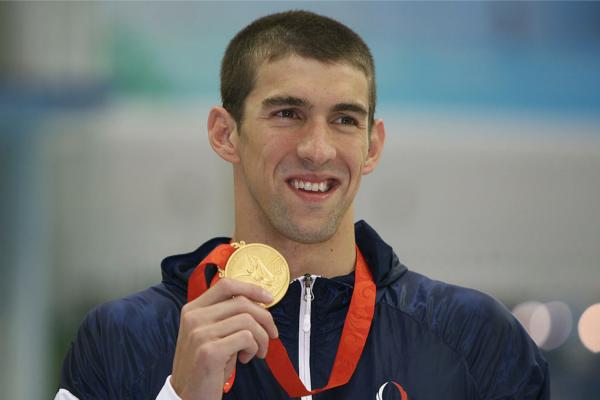 Michael Phelps, con una medalla de oro en Juegos Olímpicos