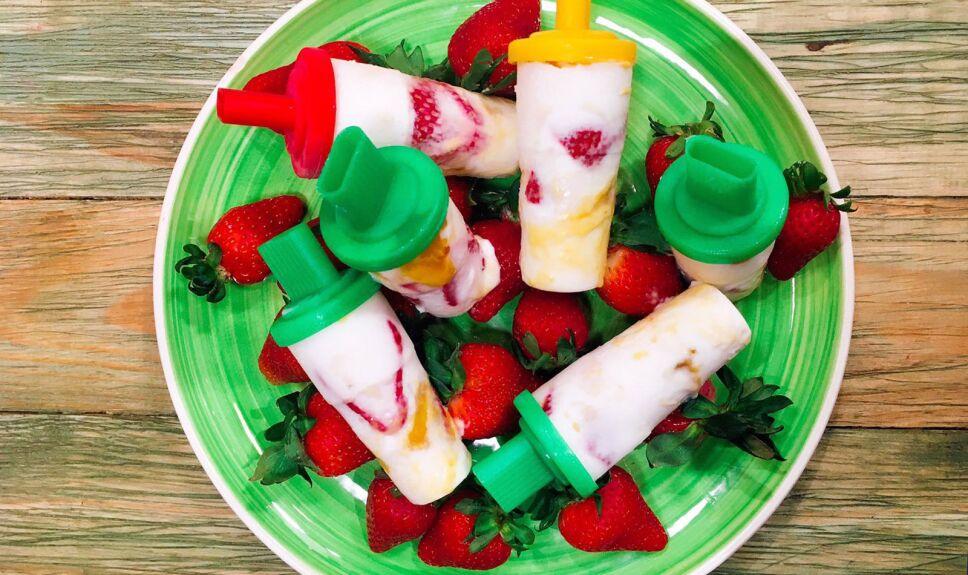 Receta Paletas de yogurt y fruta Cocineros Mexicanos