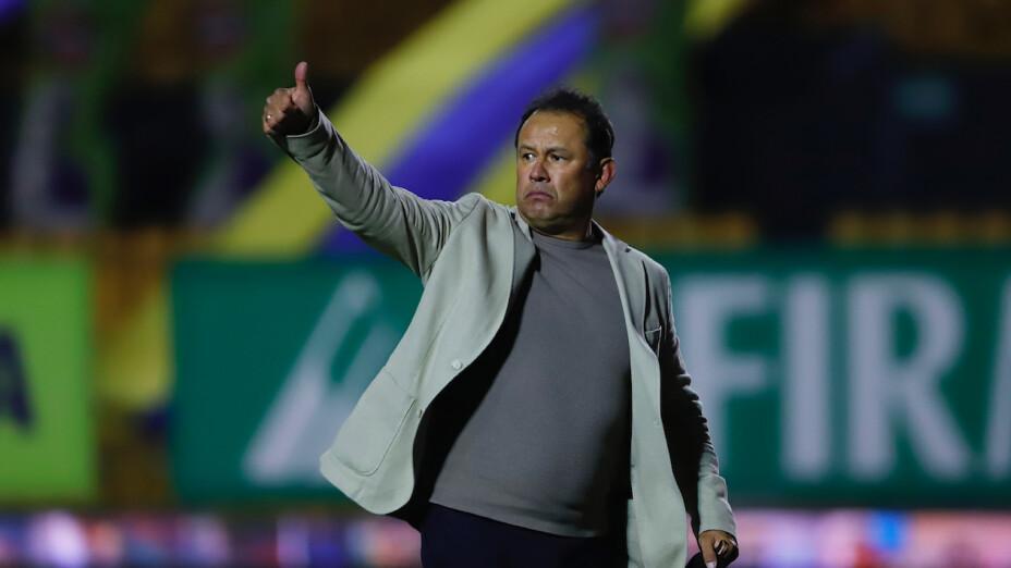 Juan Reynoso logró hacer campeón a Cruz Azul después de 23 años.