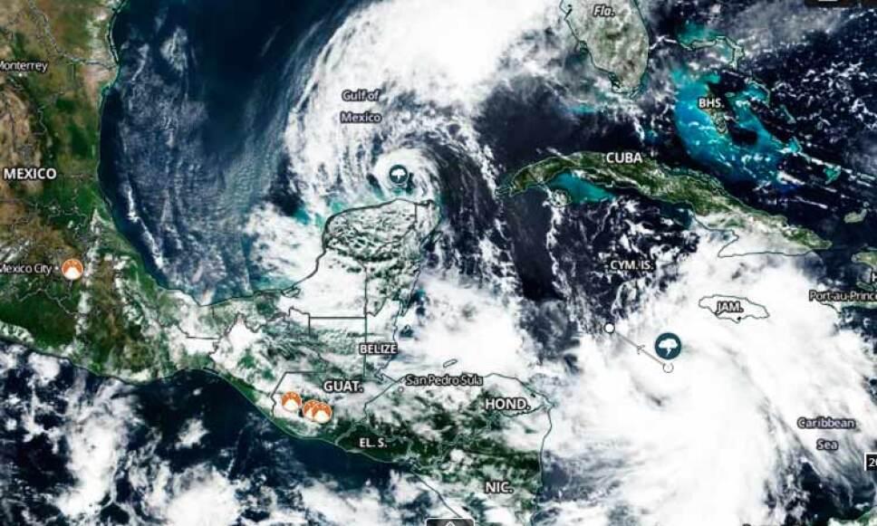 """Este miércoles llegó a la península de Yucatán, México. La degradación tropical """"Delta"""" que según los expertos, ya habría alcanzado la categoría cuatro."""