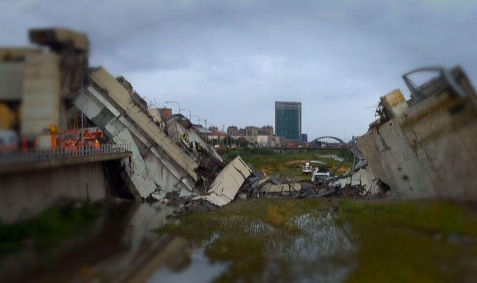 Colapso de puente en Italia VLA 15 ago 18