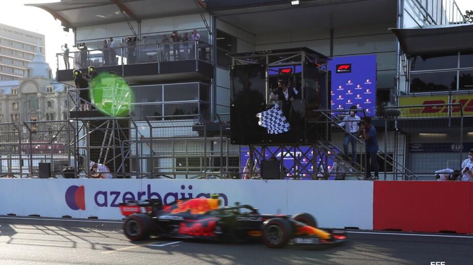 Checo Pérez gana el Gran Premio de Azerbaiyán