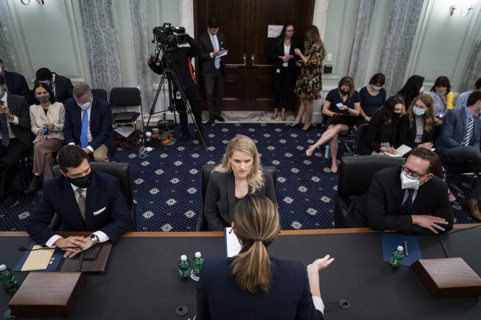frances haugen en el senado audiencia