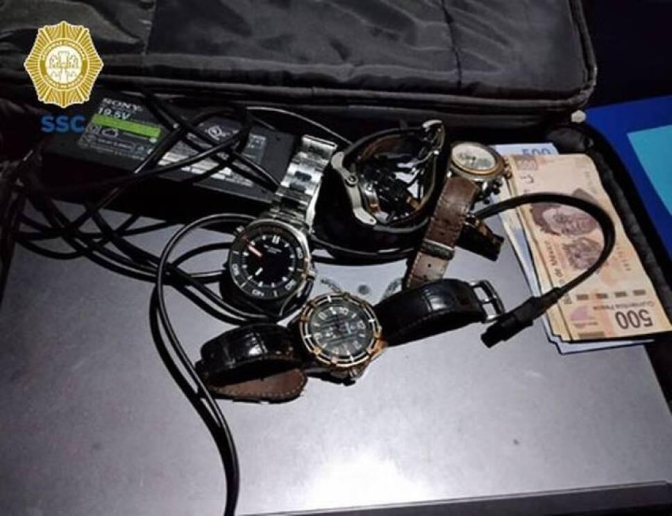 objetos-cubano-detenido.jpg