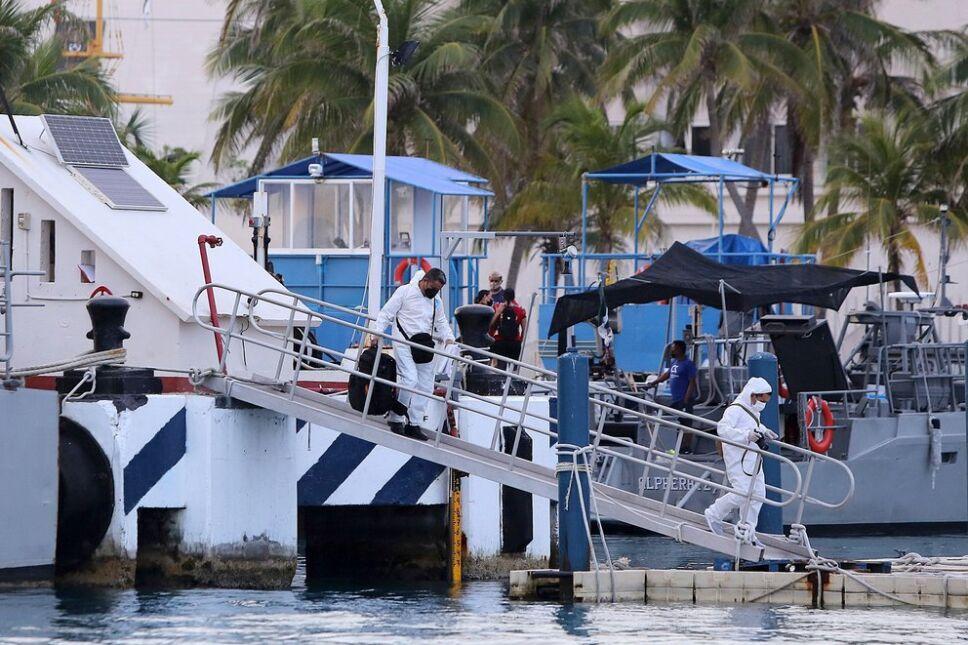 Hundimiento de lancha turística deja tres muertos en Isla Mujeres