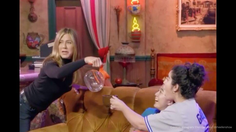 Jennifer Aniston central perk