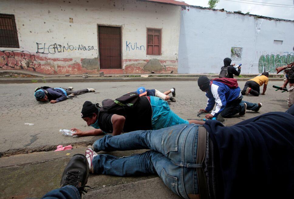 Dos muertos en nueva jornada de protestas en Nicaragua