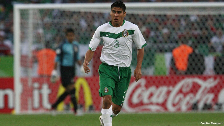 13 futbolistas con más partidos en la Selección Mexicana carlos salcido.jpg