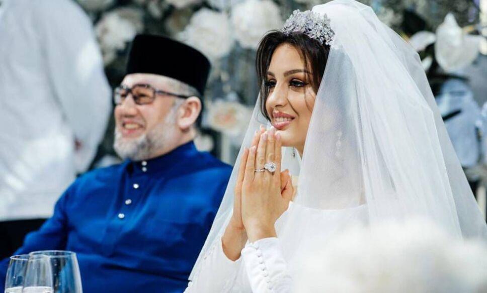 boda-secreta-entre-rey-mohamed-v-y-rihana-oksana.jpeg
