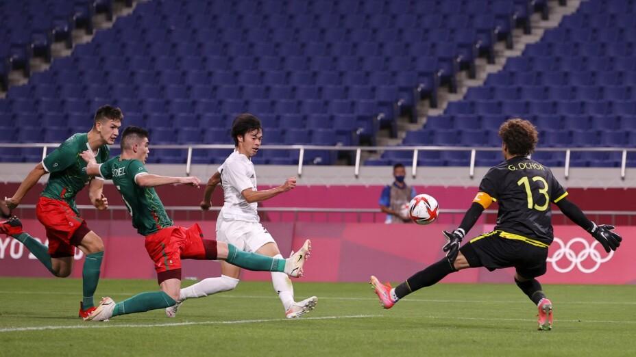 Guillermo Ochoa vs Japón