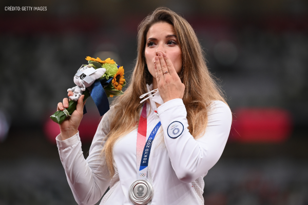 María Andrejczyk subasta medalla olímpica Tokyo 2020