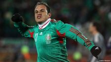 18 futbolistas con más partidos en la Selección Mexicana cuauhtémoc blanco.jpg