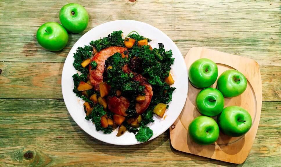 Receta Chuletas de cerdo con manzanas rostizadas y miel de chipotle