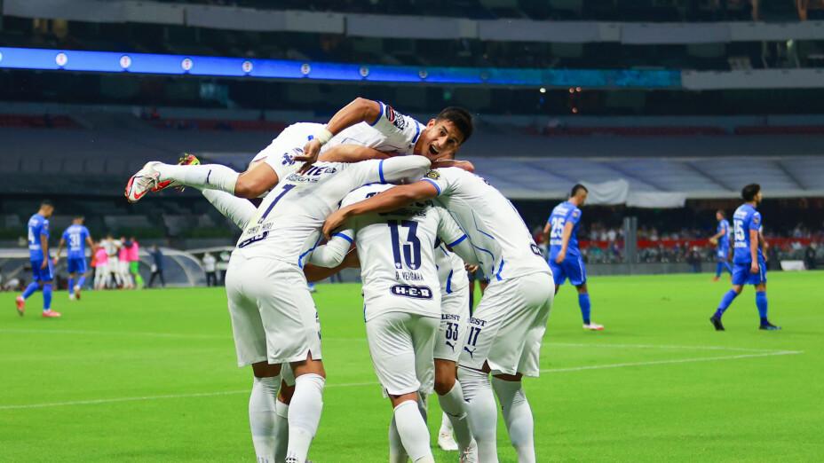 Rayados de Monterrey aplastó a Cruz Azul en Concachampions.