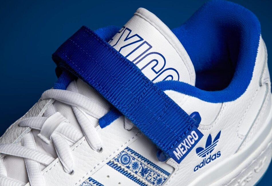 Estos tenis en blanco y azul, contienen pequeños y hermosos detalles que nos refieren a la Talavera.