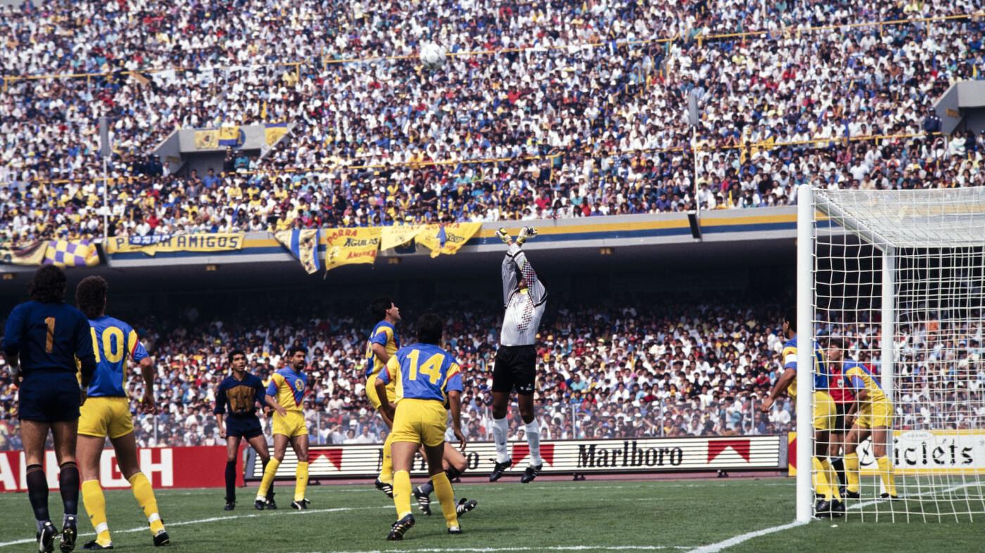 Adrián Chávez poco pudo hacer ante los Pumas.