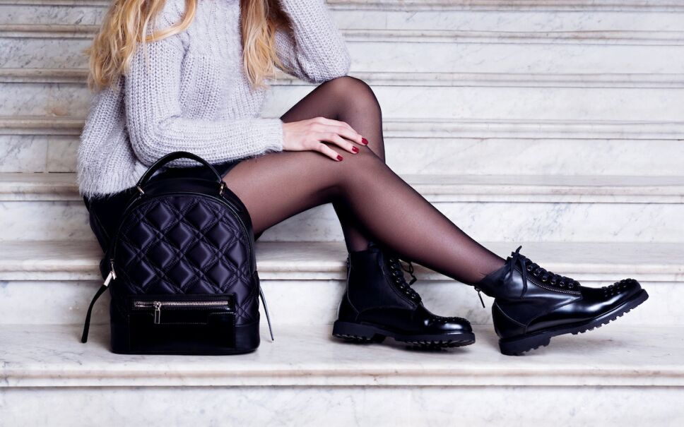 ideas de outfits para combinar tus botas track