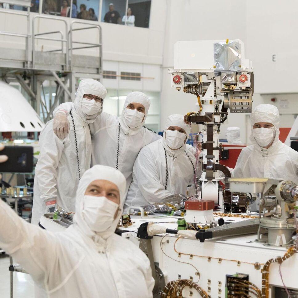 Ingenieros del Perseverance lo preparan para viajar a Marte.jpg