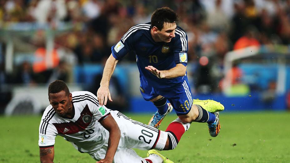 Boateng trolleó a Messi