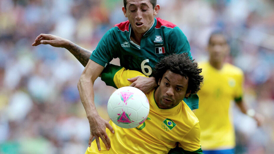 Herrera marcando a Marcelo