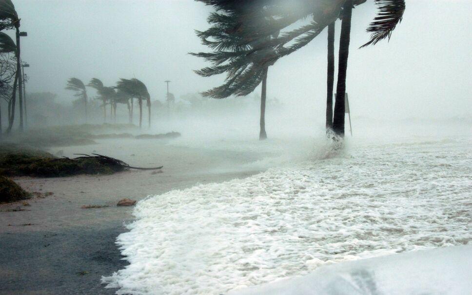 Frente frío ocho provoca inundaciones en Celestún, Yucatán