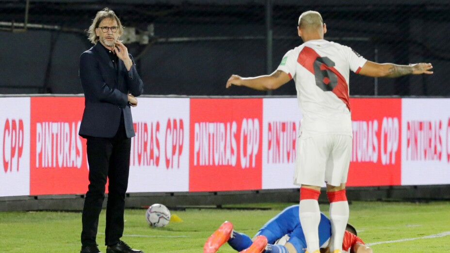 World Cup 2022 South American Qualifiers - Paraguay v Peru