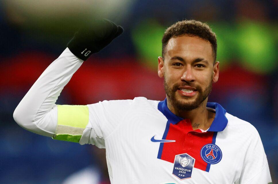 Neymar Jr. firmó con el PSG