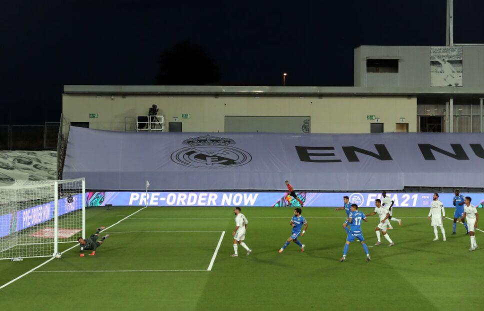 ¡El Real Madrid juega en el Estadio Alfredo Di Stefano!