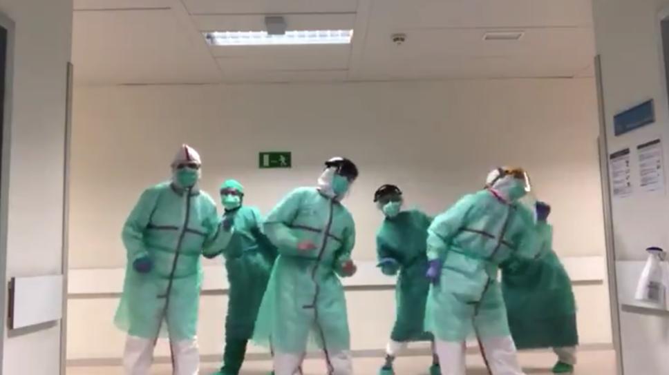 los-medicos-bailaron-aproximadamente-segundos.png