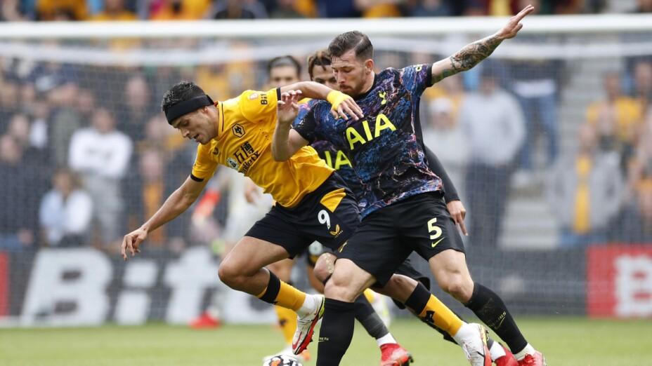 Raúl Jiménez ante Tottenham