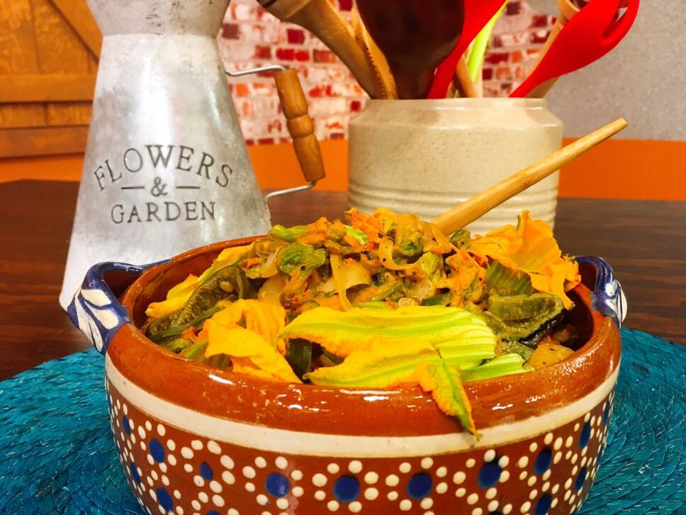 Flor de calabaza con rajas, Cocineros Mexicanos