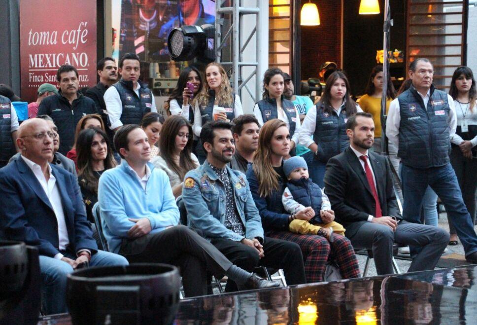 Benjamín Salinas y Alberto Ciurana en primera fila del evento