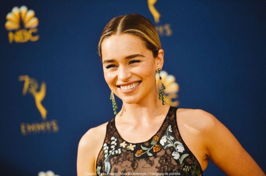Emilia Clarke interpretó a Daenerys Targaryen, 'La Madre de los Dragones', uno de los personajes principales de la serie.