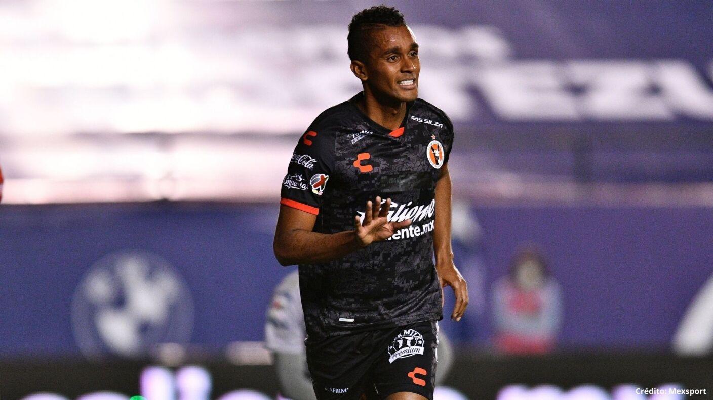 3 futbolistas ecuatorianos liga mx copa américa 2021.jpg