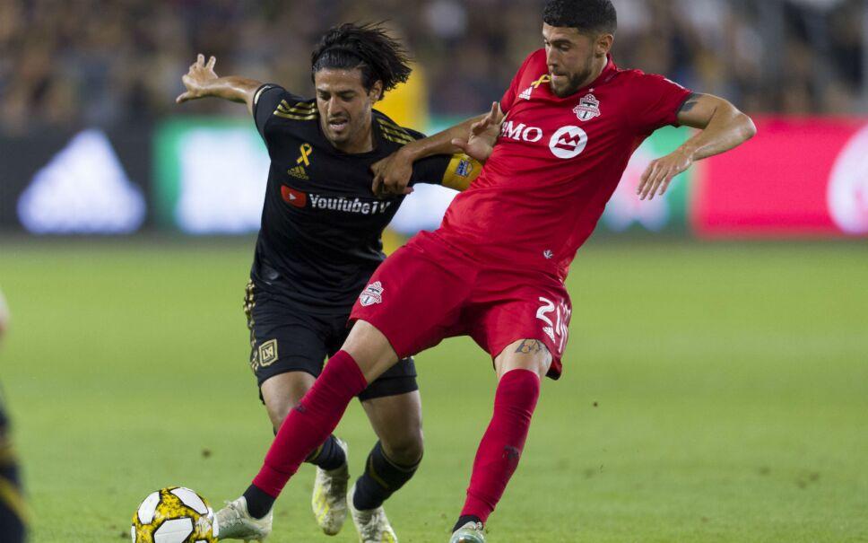 Carlos Vela durante un partido del LAFC contra el Toronto FC. Imagen: Reuters